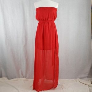 Forever 21 strapless flowy dress in Red Size M